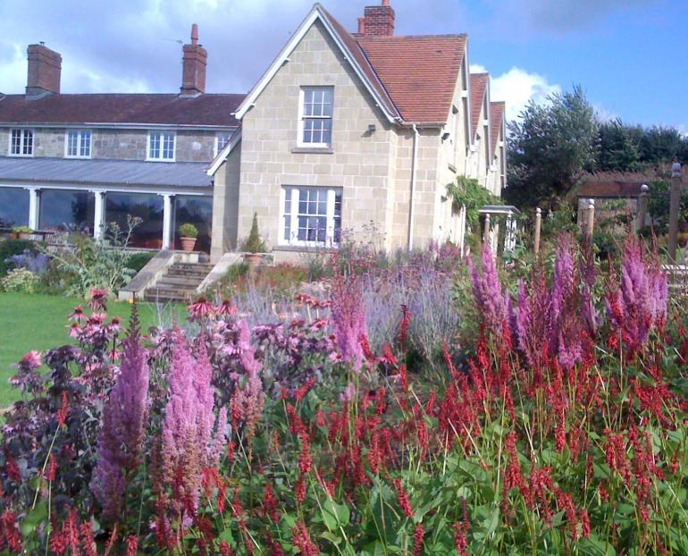 Country dorset garden