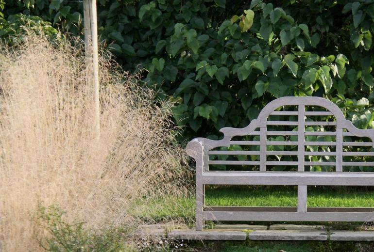Country dorset garden bench